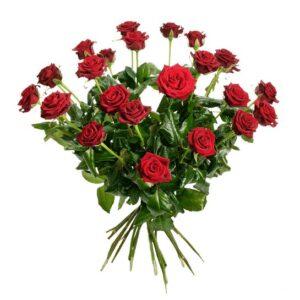 Stor bukett med 24 st röda rosor. Ur Interfloras rossortiment.