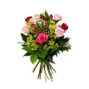 Bukett med rosor, alstroemeria och grönt. Rosorna i rött/rosa. Buketten finns att beställa som blombud hos Interflora.